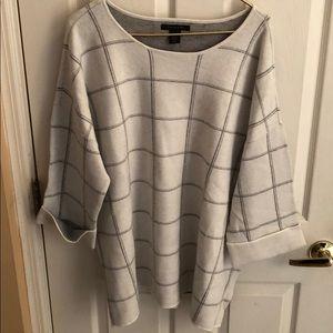 TAHARI NWT gray white sweater sz 3X square pattern